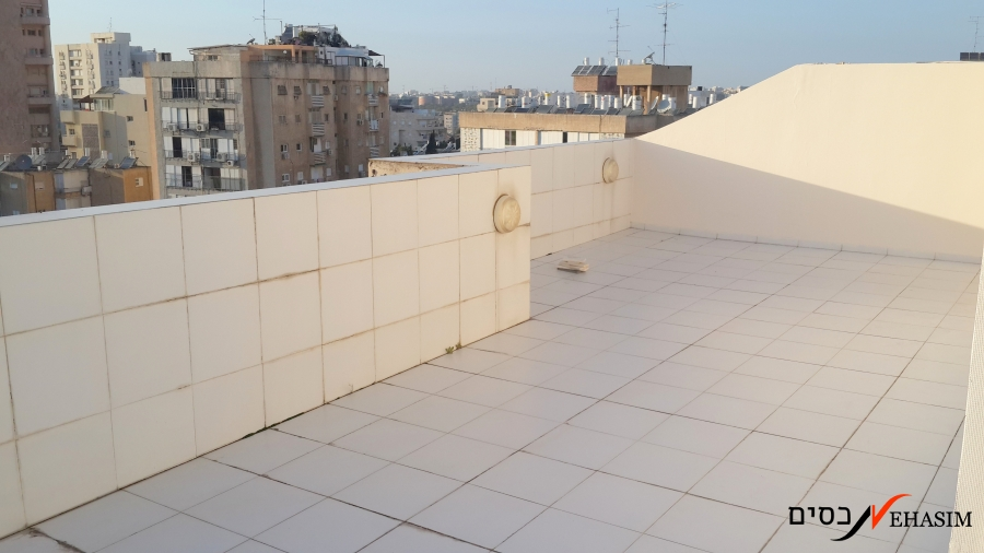 4 BR Huge+roof balcony for a happy family