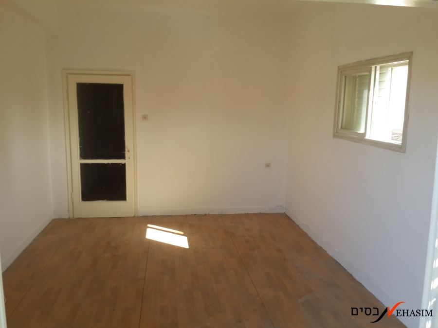 Vacant apartment in the center!!