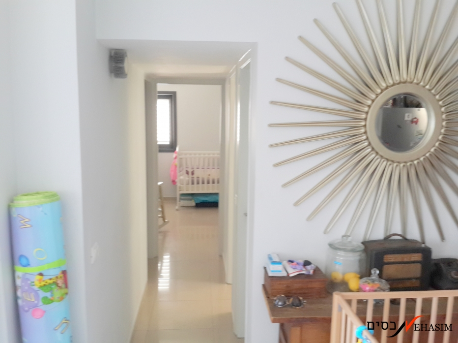 Renovated 2 bedrooms apartment for rent