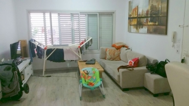 A 2 bedrooms apartment for rent - Shenkin