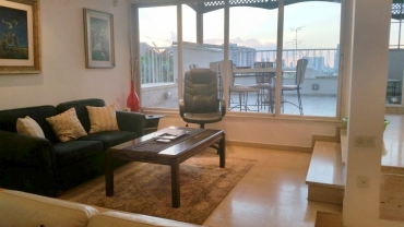 A House to live in!! Givatayim prime location