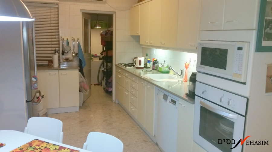 large 2 bedrooms in borochov givatayim