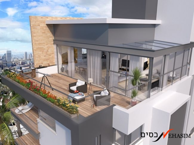 A new penthouse 4 BR + 2 parking spots