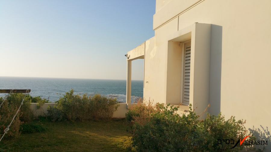 A one of a kind cliff house in Tel-Aviv-Jaffa