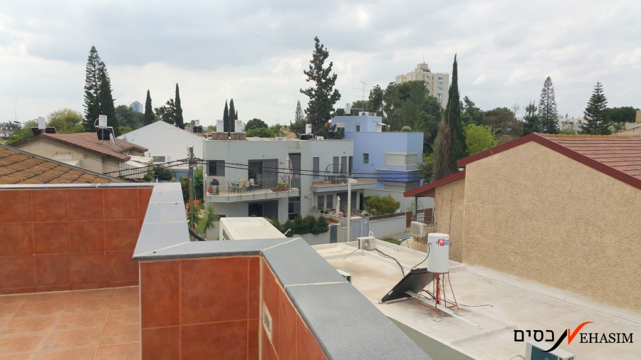 A large townhouse Givatayim center