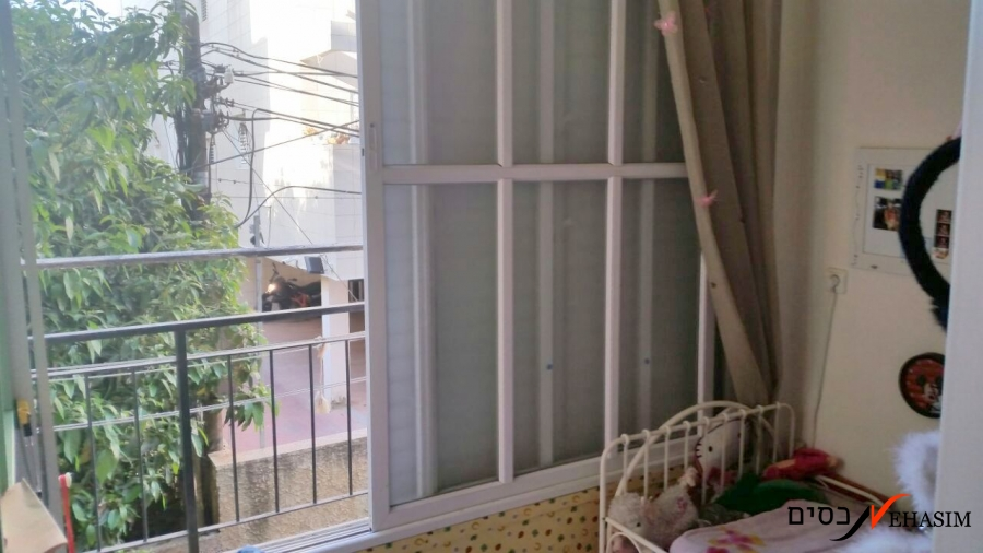 A renovated large apartment Ramat-Gan center