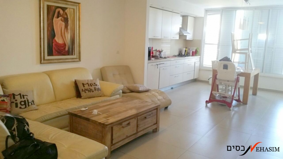 For sale in Borochov Givatayim renovated!