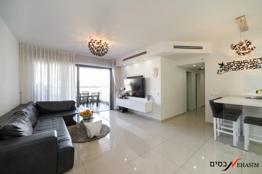 new and renovated apartment in Yad-Eliyahu